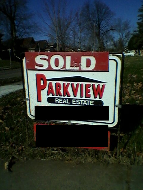 house sold sign 2015-11-15